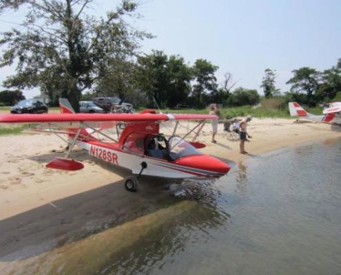 Putting-plane-in-water